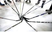 11-metis japonų ledo ritulininkas aikštėje atlieka stebuklus